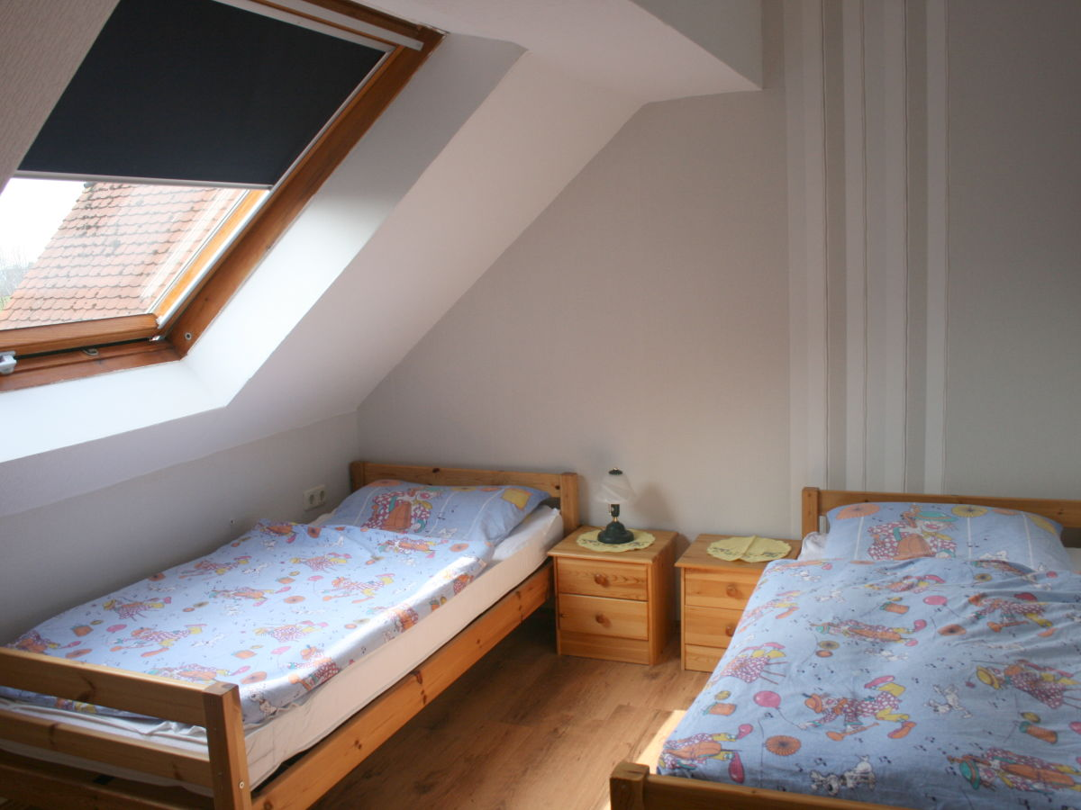 Ferienwohnung wohnen am moor 2 ihlow frau anni slink for Kinderzimmer mit 2 betten