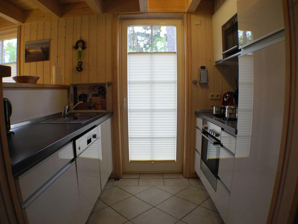 Ferienhaus ostseewelle rugen firma fewo meer for Einbauger te küche