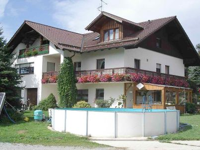 Gotzlerhof, für kleine Familien u. Senioren