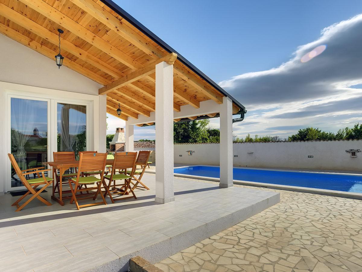 villa tranquille mutvoran istrien firma tourist agency. Black Bedroom Furniture Sets. Home Design Ideas