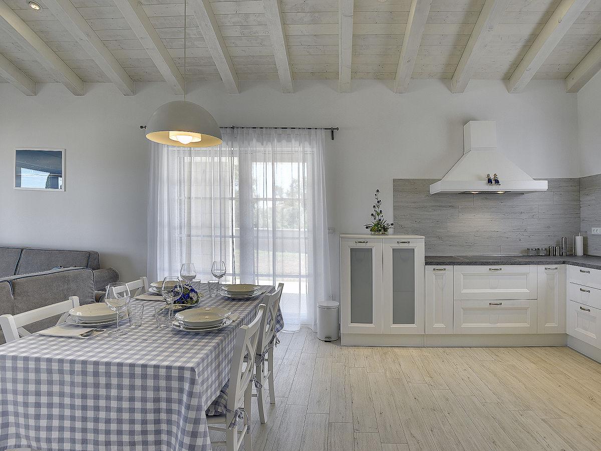 villa histrica krnica firma tourist agency luna rossa frau kristina tanger. Black Bedroom Furniture Sets. Home Design Ideas
