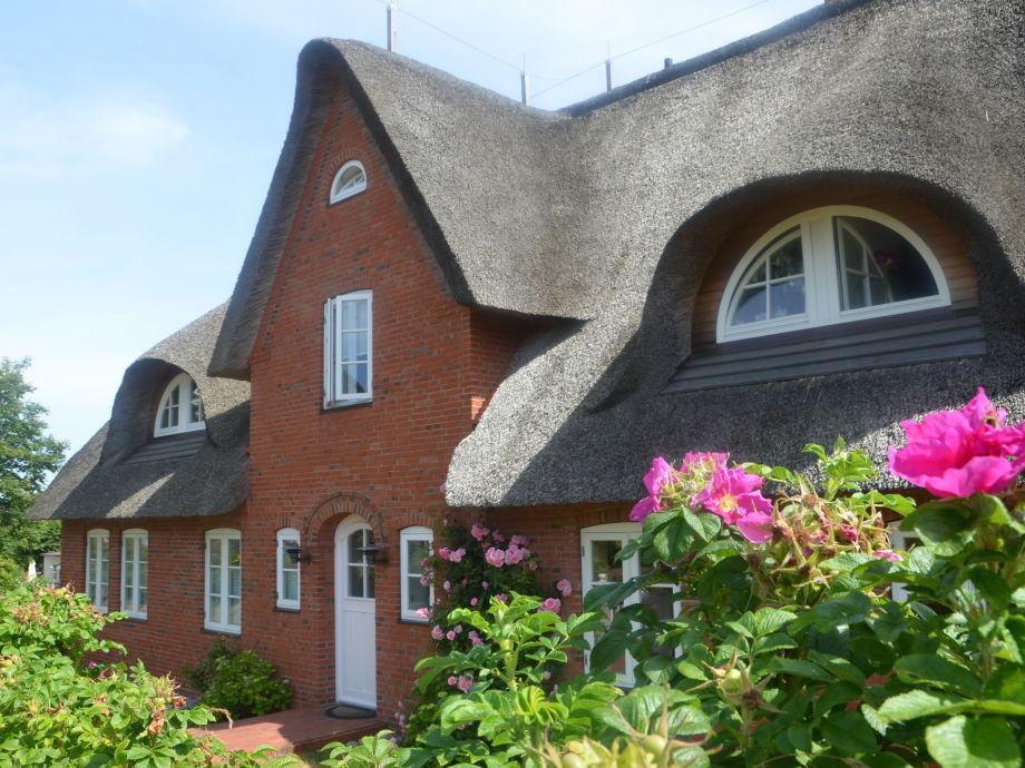Hüs üüb Oomram im historischen Friesendorf Nebel
