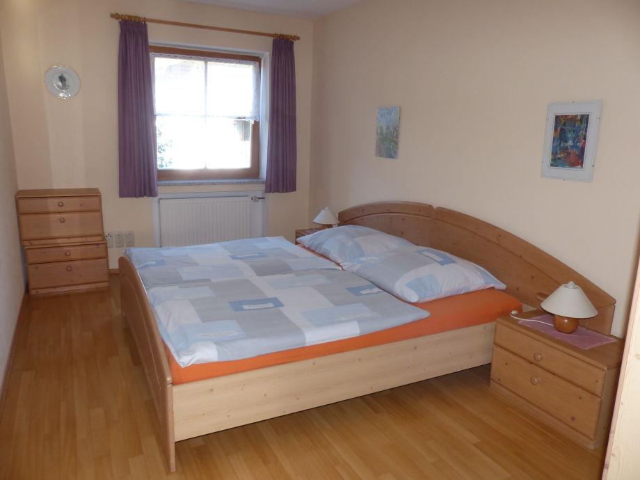 Ferienwohnung 3 im katharinenhof garmisch part - Schlafzimmer stefan ...