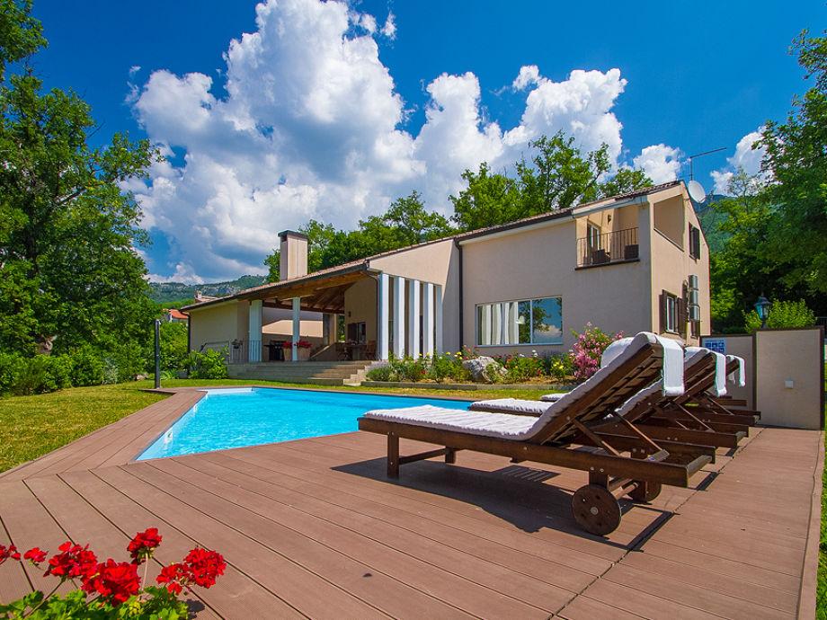 Außenaufnahme Villa Vesna
