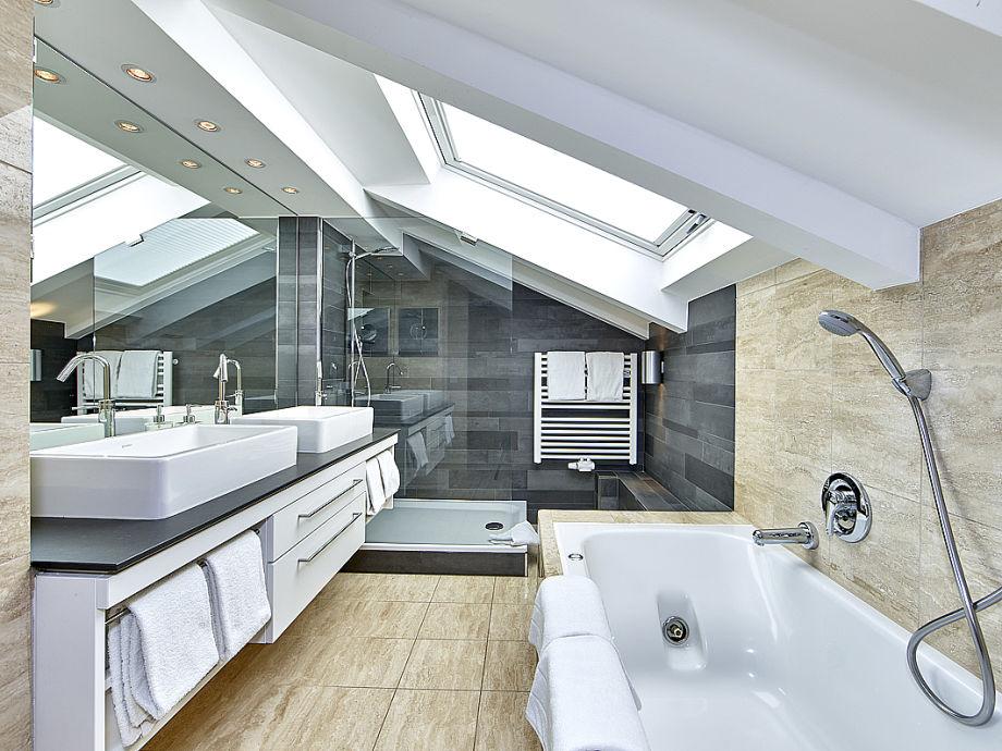 ferienwohnung livingroom garmisch partenkirchen zugspitzland oberbayern frau stefanie baumer. Black Bedroom Furniture Sets. Home Design Ideas