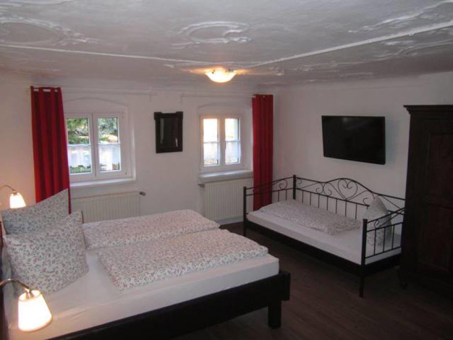 Ferienhaus White House, Fränkisches Seenland - Firma XADU - Familie ...