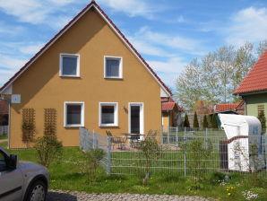 Holiday house Knapp vorm Kap, Ferienhaus B