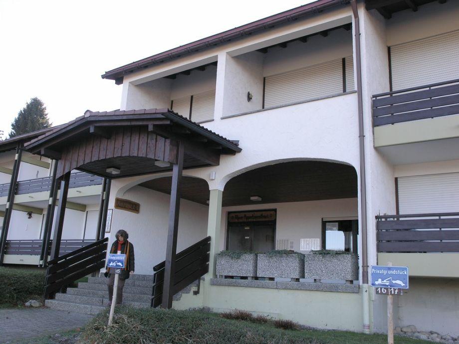 Eingang Alpenapartementhaus