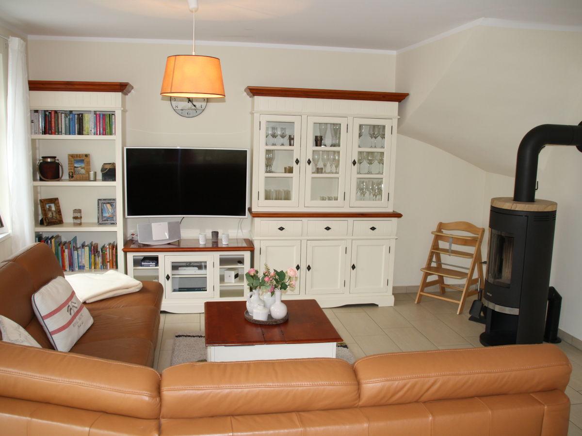 ferienhaus apfelbl te zingst firma zimmervermittlung zingst firma. Black Bedroom Furniture Sets. Home Design Ideas