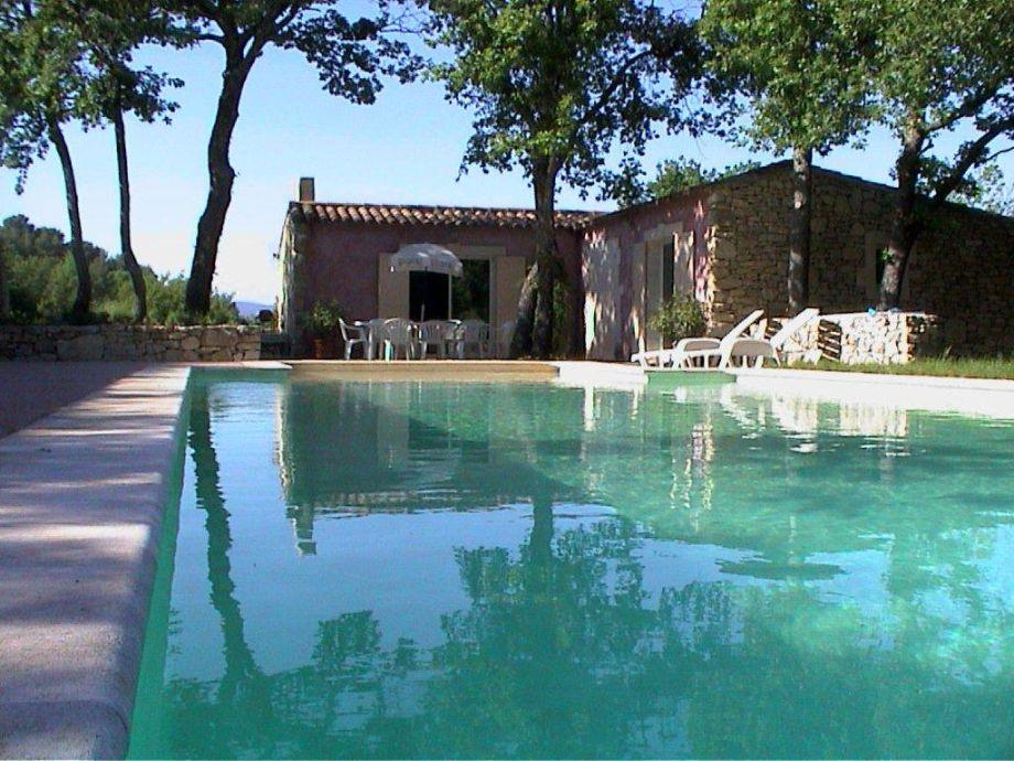 Ferienhaus mitten im Grünen mit Pool und Blick