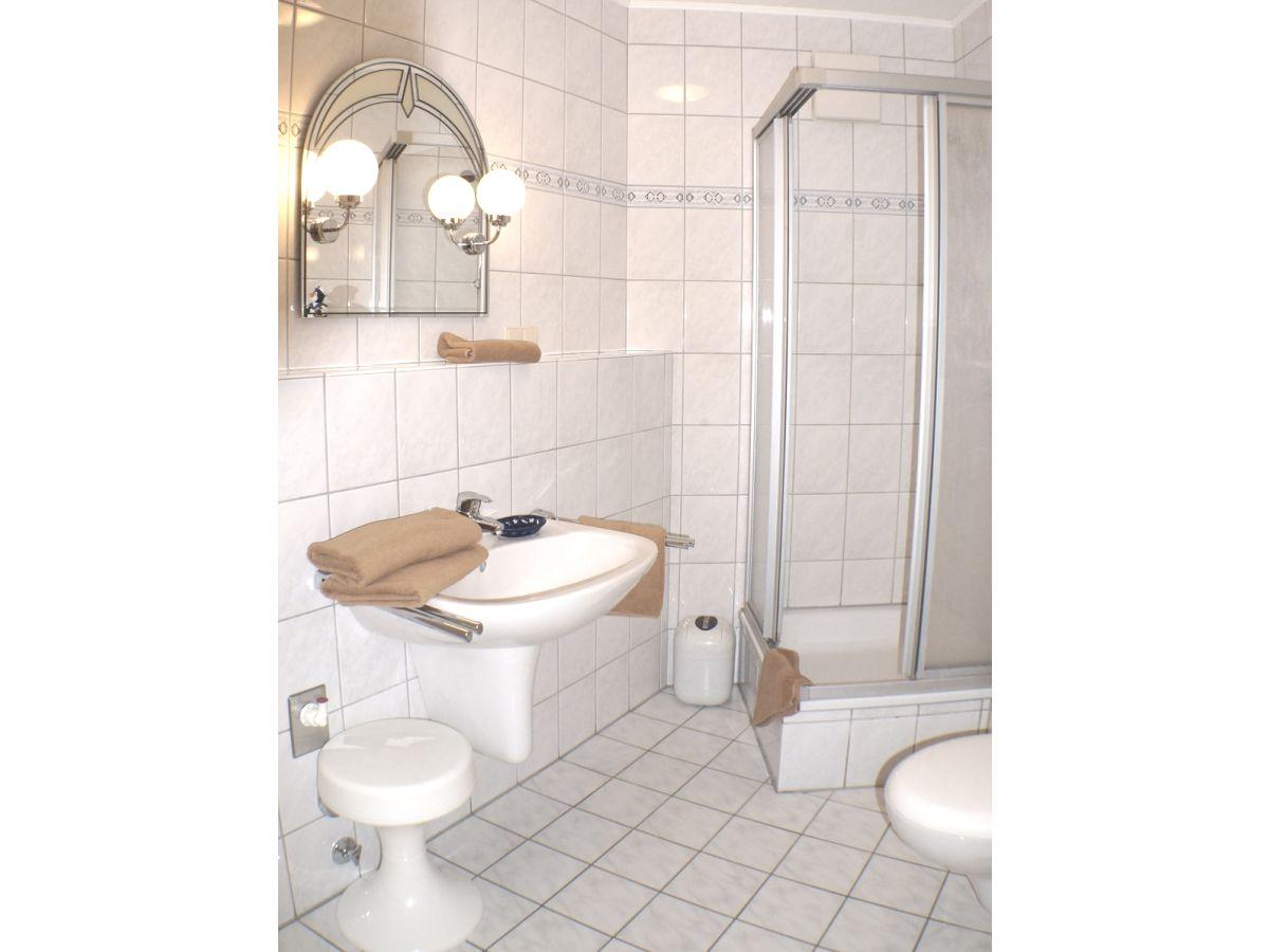 ferienwohnung mole in der residenz norddeich nordsee firma fewo vermietung norddeich herr. Black Bedroom Furniture Sets. Home Design Ideas