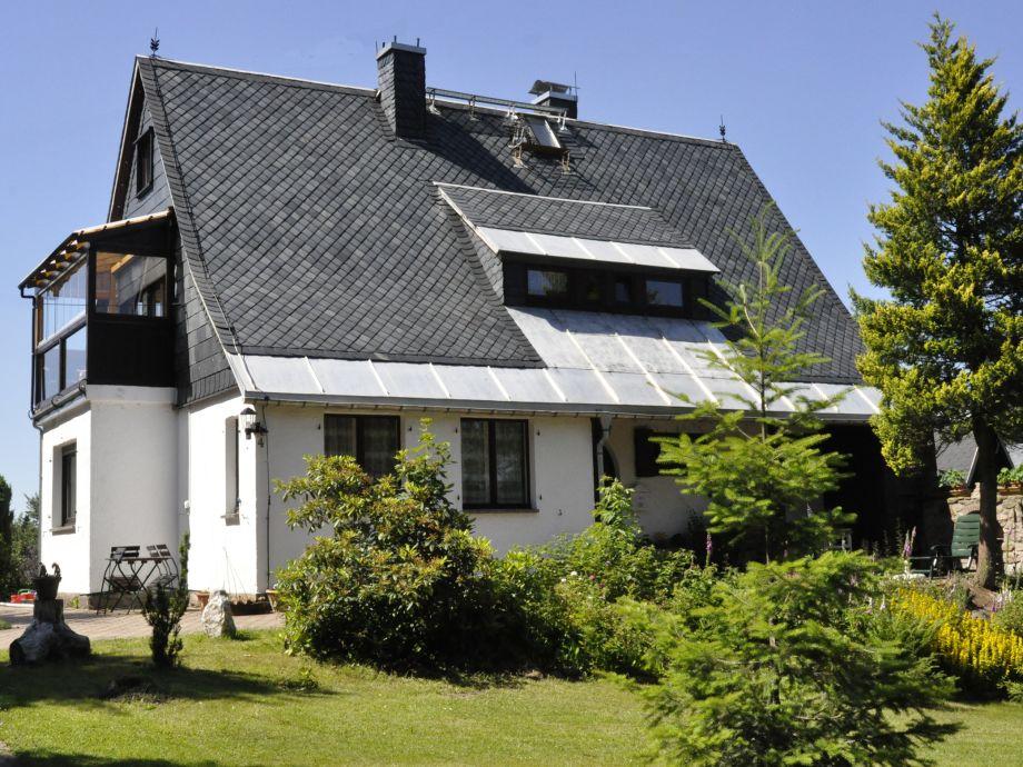 Haus Sonnenhügel im Sommer