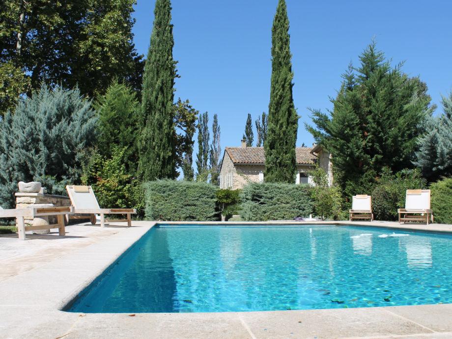 Ferienvilla mit Pool in ruhiger Lage