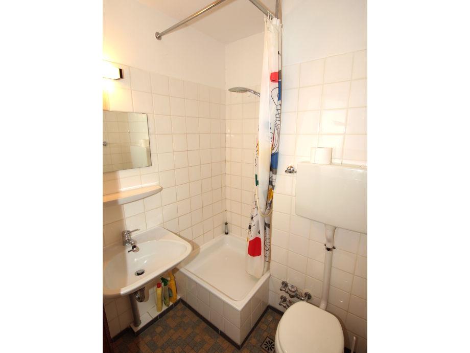 Bad Dusche Vorm Fenster : Dusche Milchglas : Dusche Vorm Fenster L ...