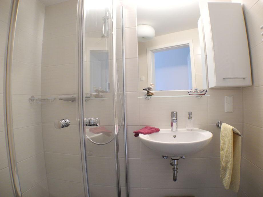 ferienwohnung meeresrauschen strandvilla baabe 22 r gen. Black Bedroom Furniture Sets. Home Design Ideas