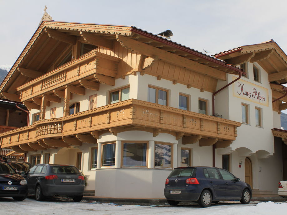 Haus Alpin im Winter