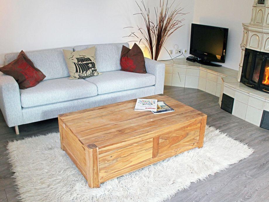 Gemütliches Wohnzimmer mit Kaminofen