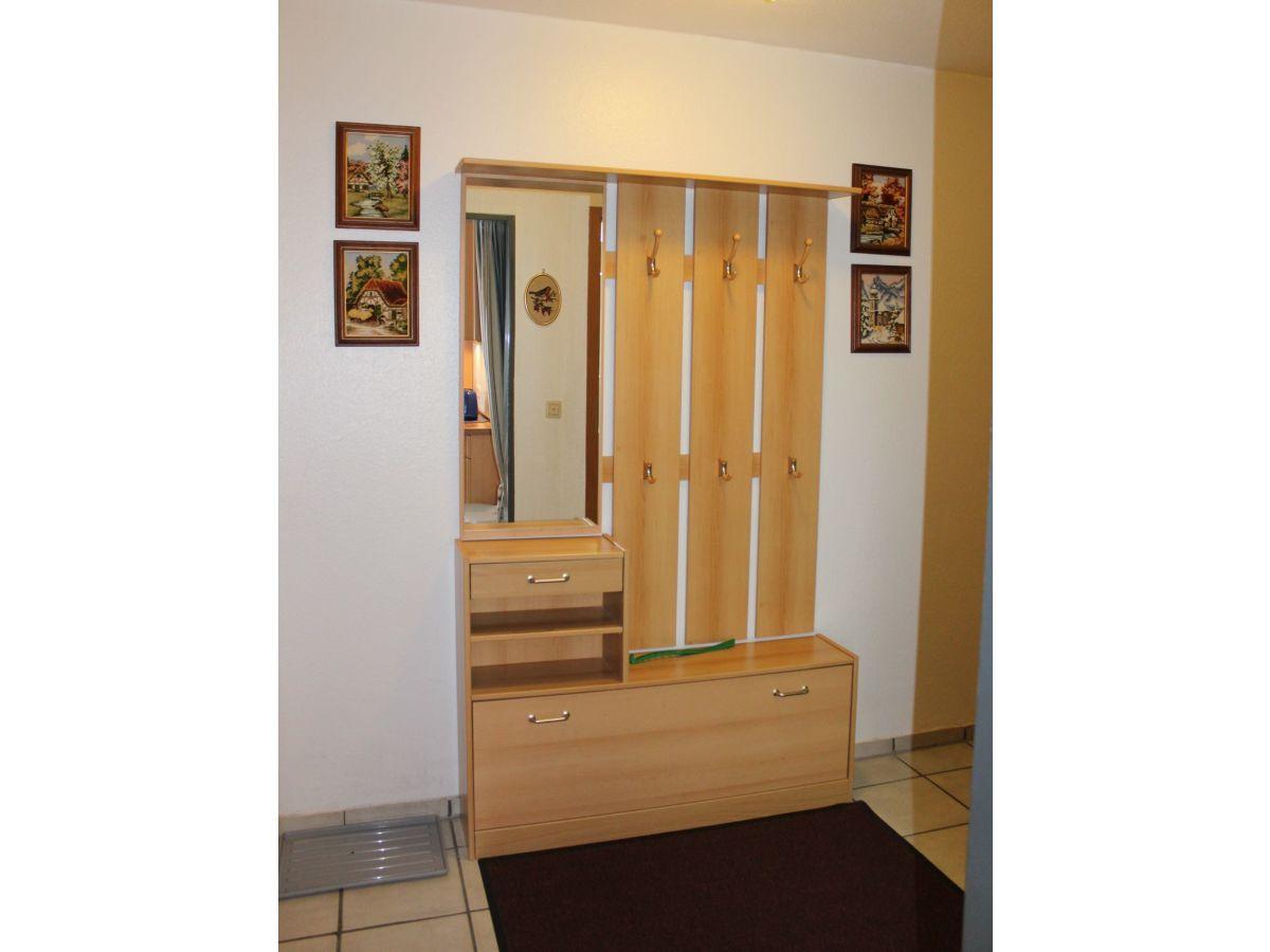 Ferienwohnung pavillon nr 9 cuxhaven duhnen firma for Garderobe im flur