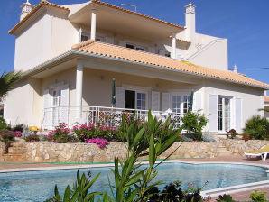 Ferienhaus Solmar - Poolvilla mit Meerblick