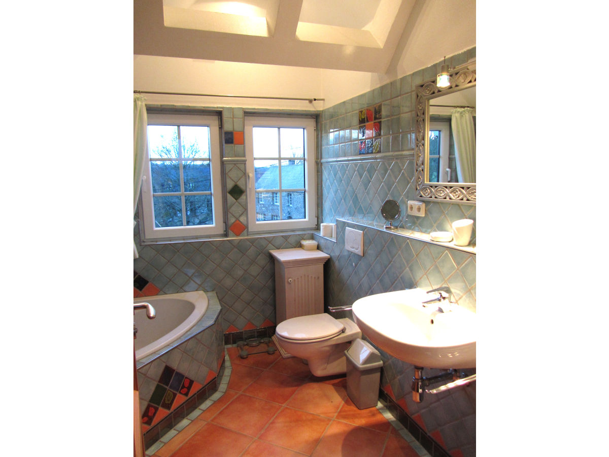 Landhaus la biauderie frankreich normandie manche portbail herr gerrit seger - Landhaus badezimmer ...