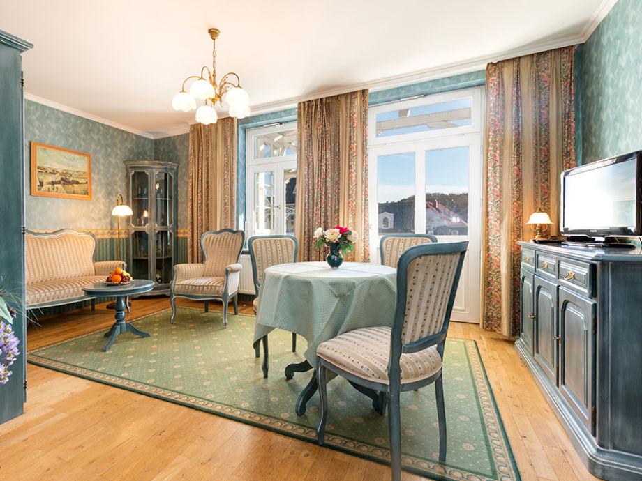 ferienwohnung cosima in der villa monbijou ostseebad binz insel r gen firma appartement. Black Bedroom Furniture Sets. Home Design Ideas