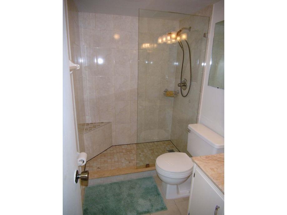 gastebad mit dusche grundriss kleines bad diese duschen lsen platz probleme - Kleines Gastebad Mit Dusche