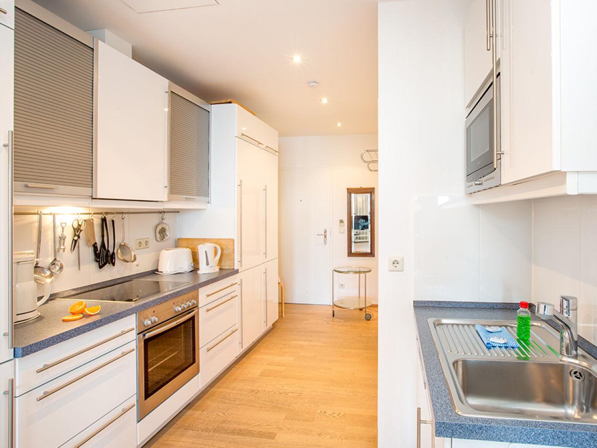 ferienwohnung la mer meerblick ostseebad binz insel r gen firma appartement vermittlung. Black Bedroom Furniture Sets. Home Design Ideas