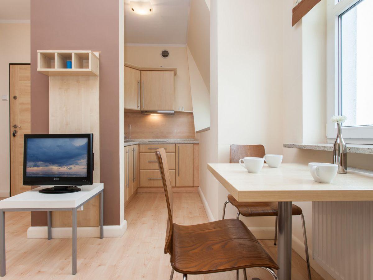 ferienwohnung drei kronen 41 swinem nde insel usedom firma ferienwohnungen laguna frau. Black Bedroom Furniture Sets. Home Design Ideas