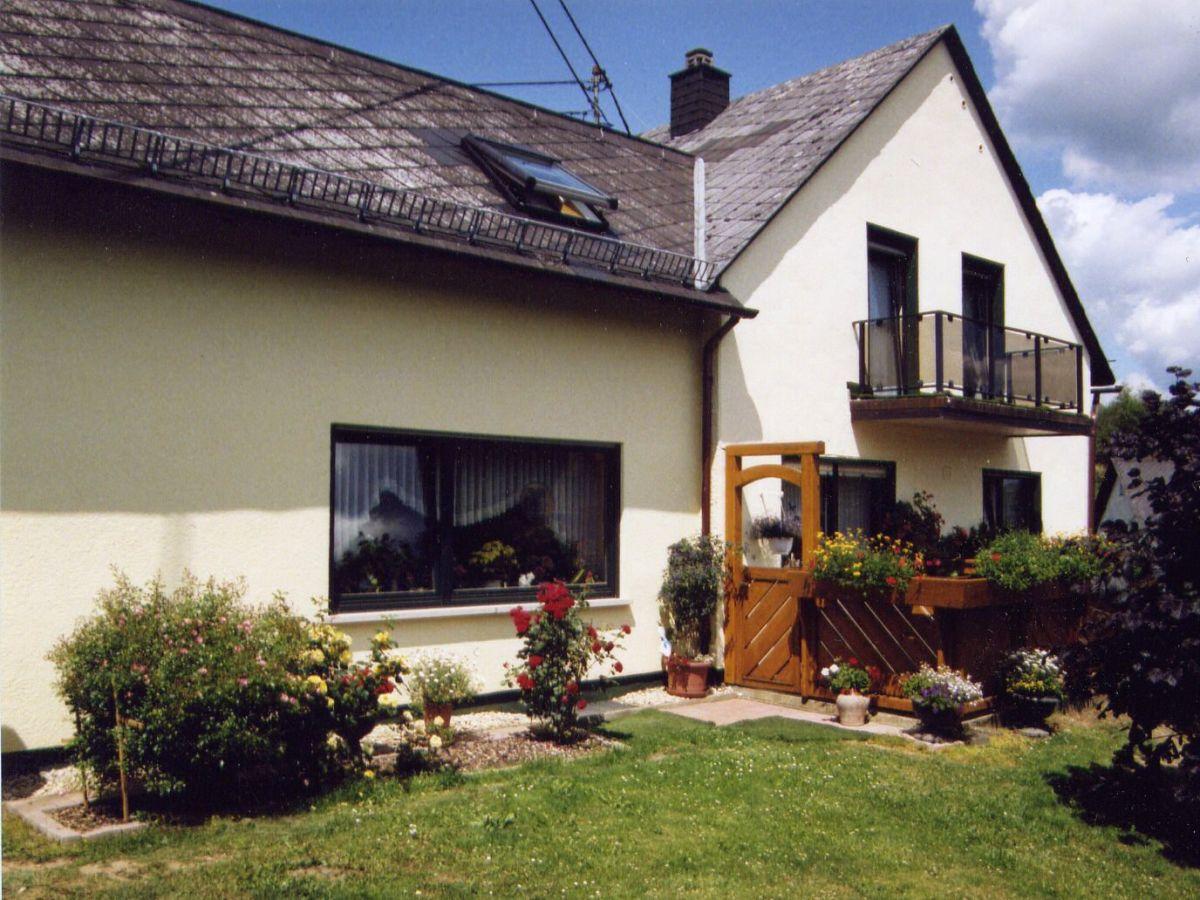 Apartment haus burgblick vulkaneifel frau gisela sch fer for Apartment haus