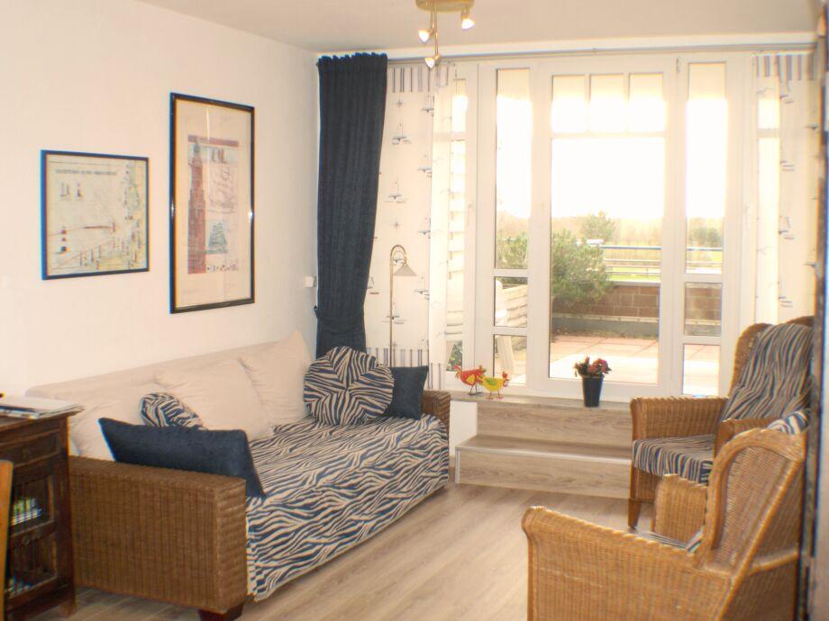 Wohnzimmer mit neuen Laminatböden