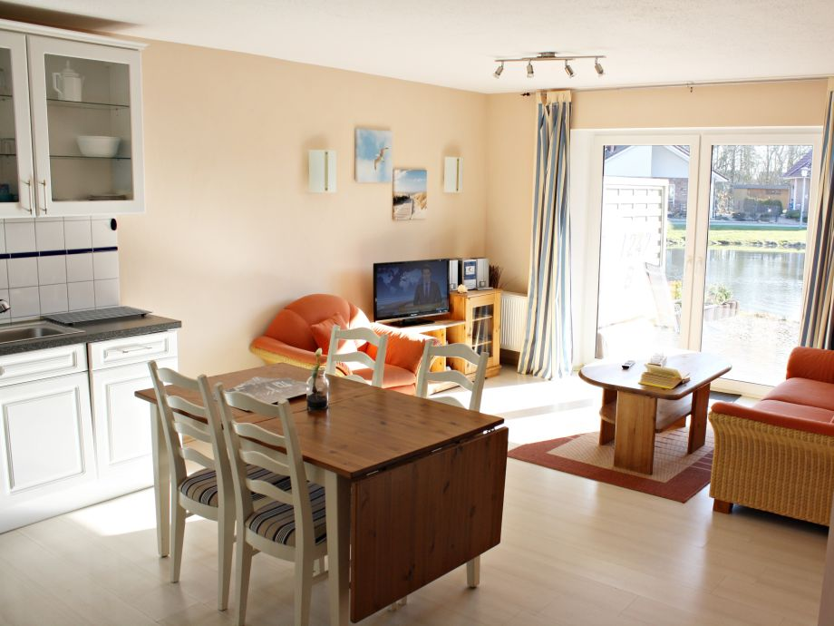 Wohn-/Esszimmer mit Küchenzeile
