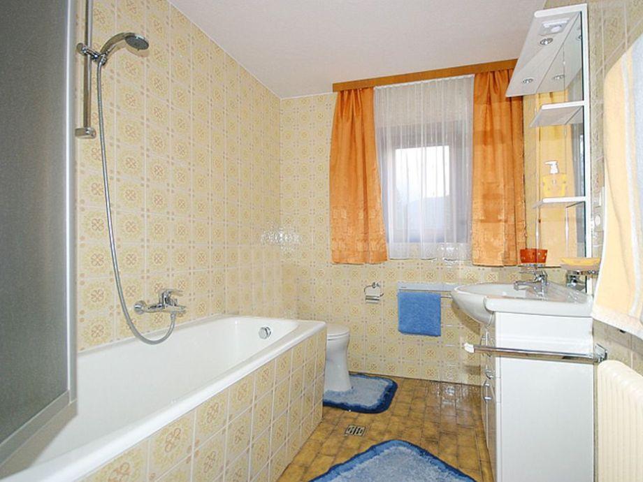 Ferienwohnung romantic in den bergen im 1 stock tirol - Badezimmer 15qm ...