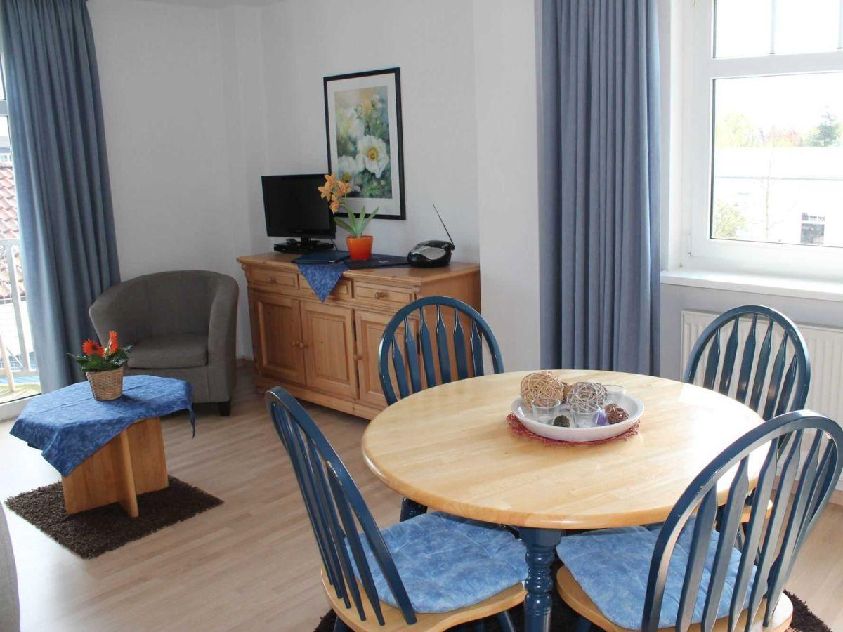 ferienwohnung mit balkon h 473 a umgebung rostock und. Black Bedroom Furniture Sets. Home Design Ideas