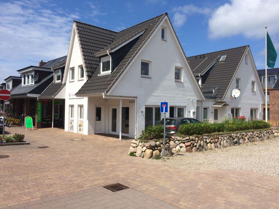 Strandstr.1 - Beginn der Flaniermeile - Einbahnstraße ,