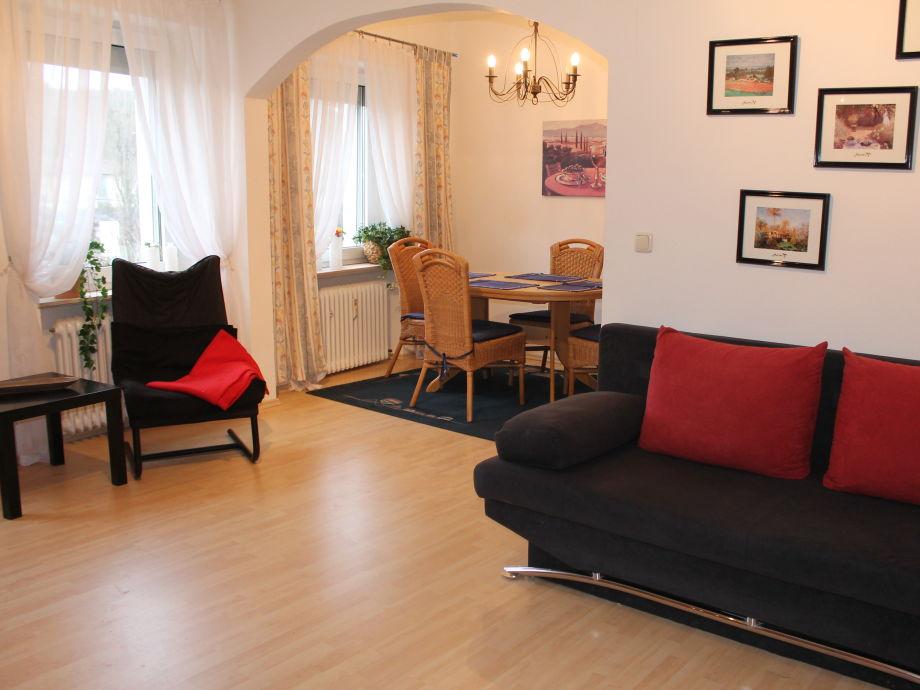 Wohnbereich mit Esszimmer