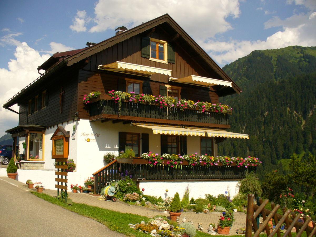 """Ferienwohnung """"Haus in der Sonne"""" Hirschegg"""