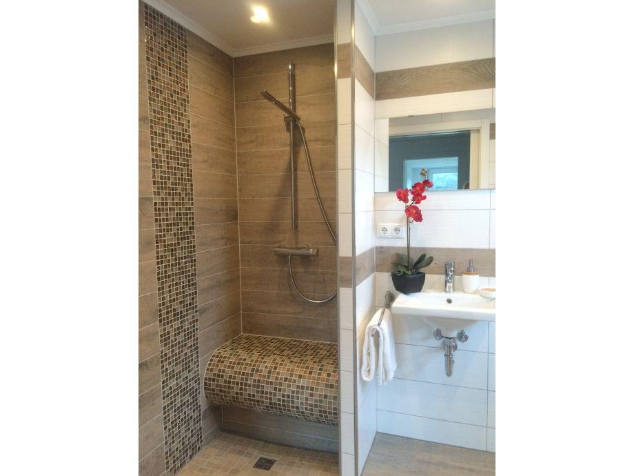 begehbare dusche fussbodenheizung 101939 neuesten ideen. Black Bedroom Furniture Sets. Home Design Ideas