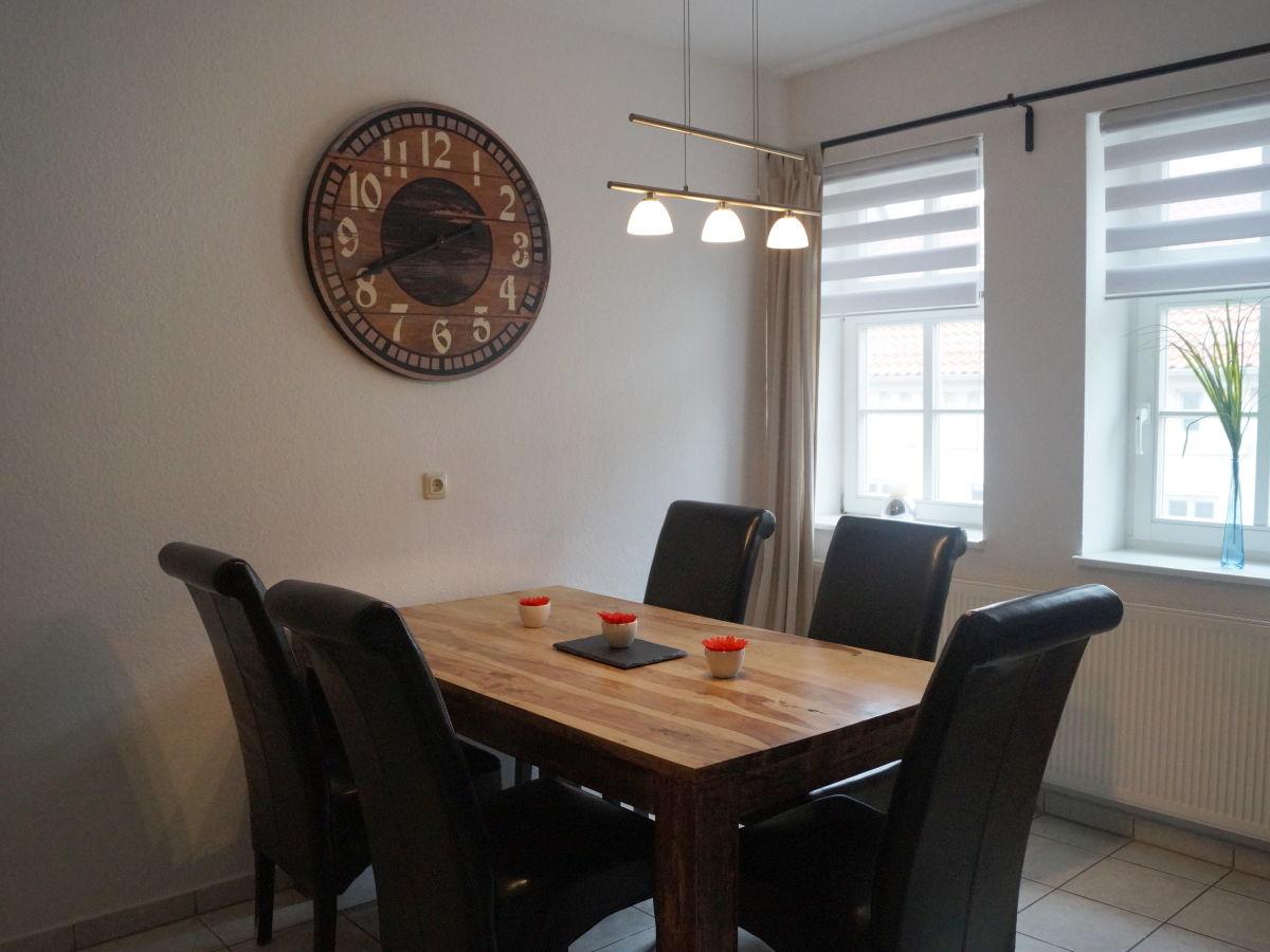 ferienwohnung zum schwan th ringen firma schnitzelhaus. Black Bedroom Furniture Sets. Home Design Ideas