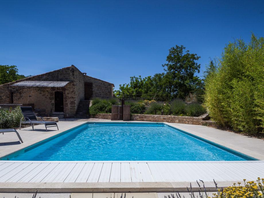 Ferienhaus mit Pool in Ansouis