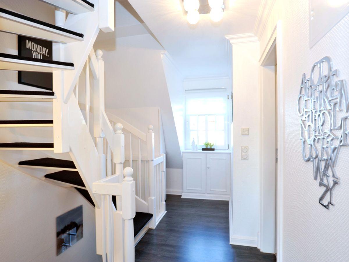 ferienhaus inseloase sylt westerland firma das team fineline sylt ferienagentur gmbh frau. Black Bedroom Furniture Sets. Home Design Ideas