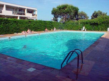 Ferienwohnung mit Pool & Tennisplatz in exklusiver Residenz
