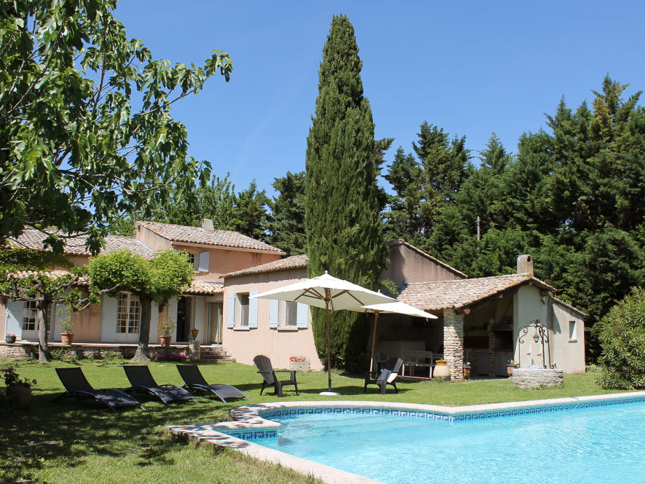 Unweit von Mont-Ventoux, schönes Ferienhaus mit Pool