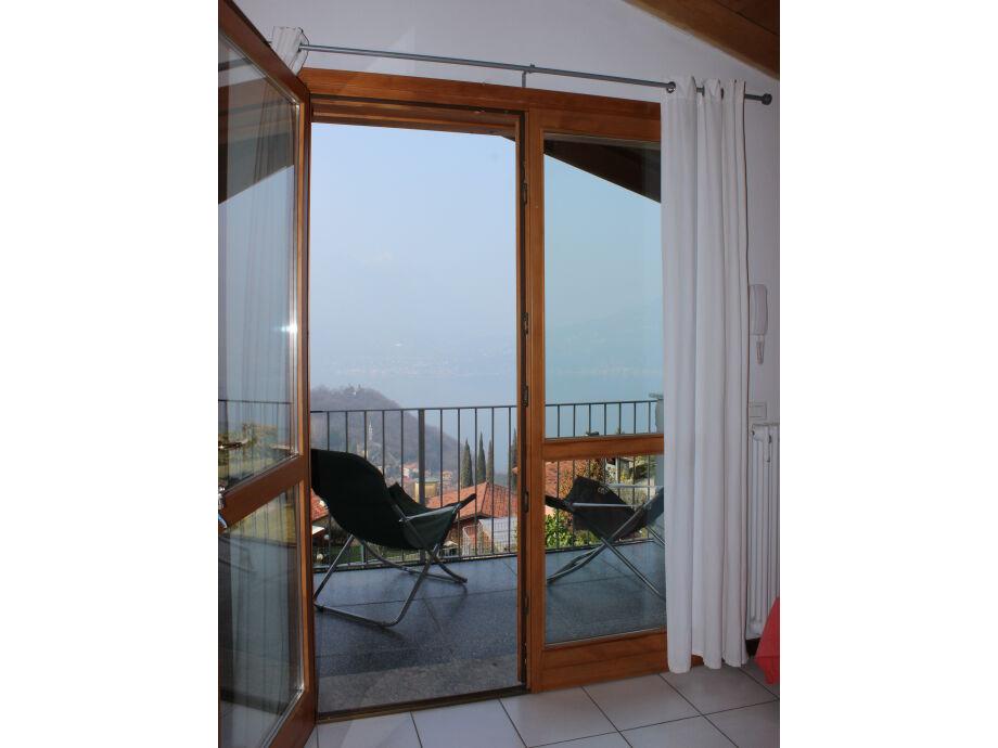 schöne Terrasse mit Seeblick
