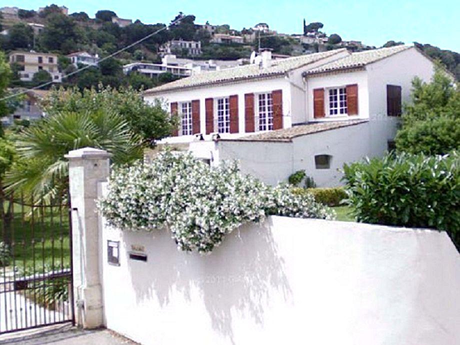 Der Eingangsbereich der Villa