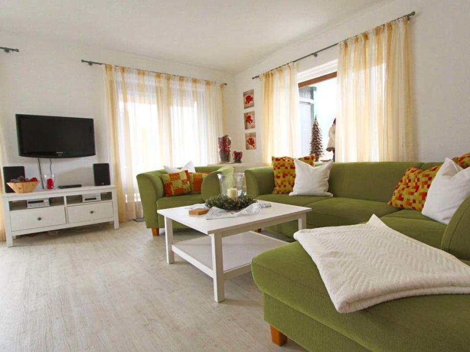 Vom Sofa aus können Sie entspannt Fernsehen