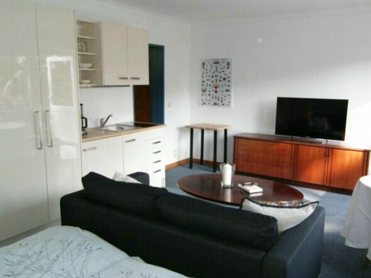 ferienwohnung vier jahreszeiten l becker bucht scharbeutz frau elke sachs. Black Bedroom Furniture Sets. Home Design Ideas