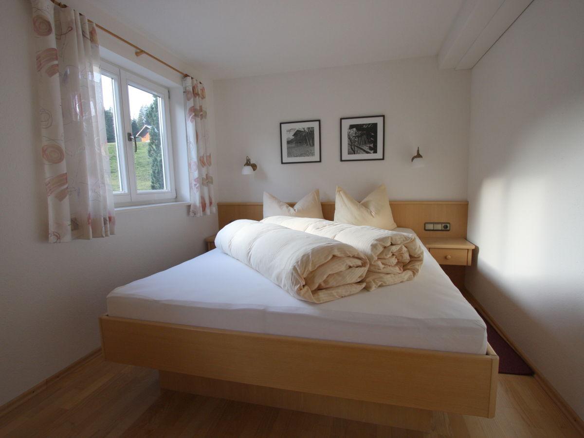 Ferienwohnung m ller typ a mittelberg frau christine willam - Panoramabild schlafzimmer ...