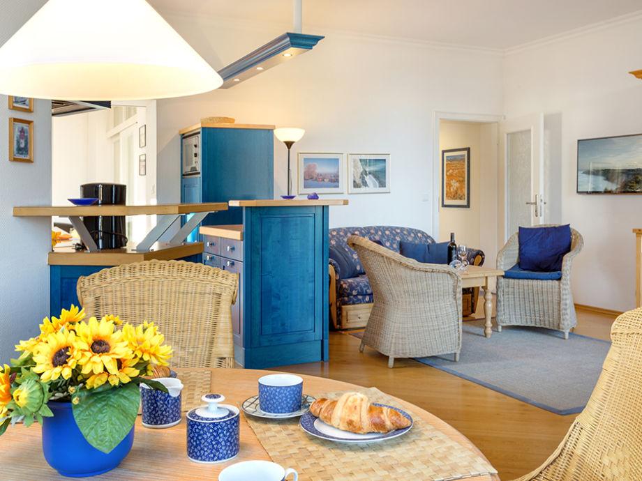 ferienwohnung ostseeblick in der villa stranddistel ostseebad binz insel r gen firma. Black Bedroom Furniture Sets. Home Design Ideas