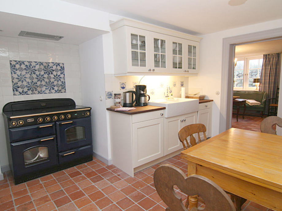 Eine andere Ansicht der Küche
