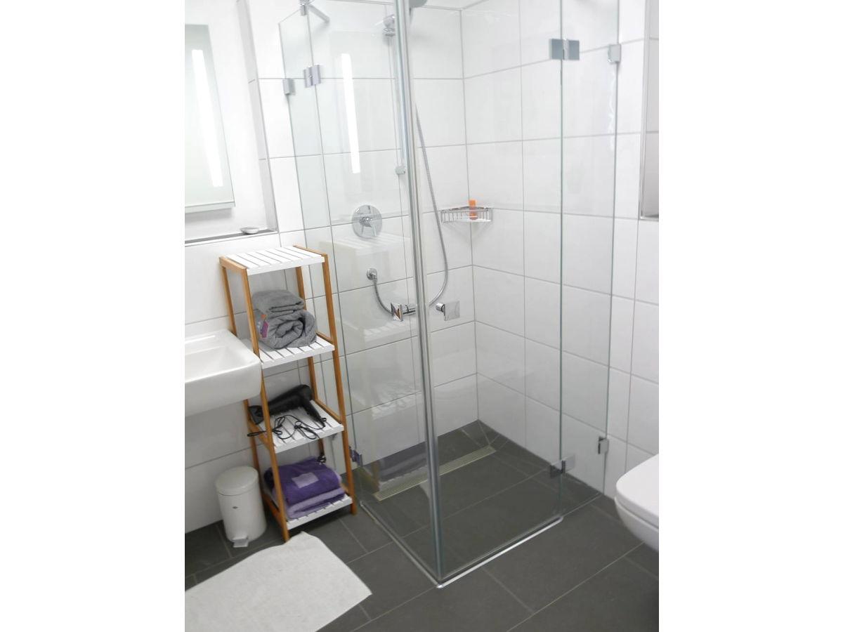 Ferienwohnung jann berghaus 6 ostfriesische inseln for Moderne badezimmer mit dusche